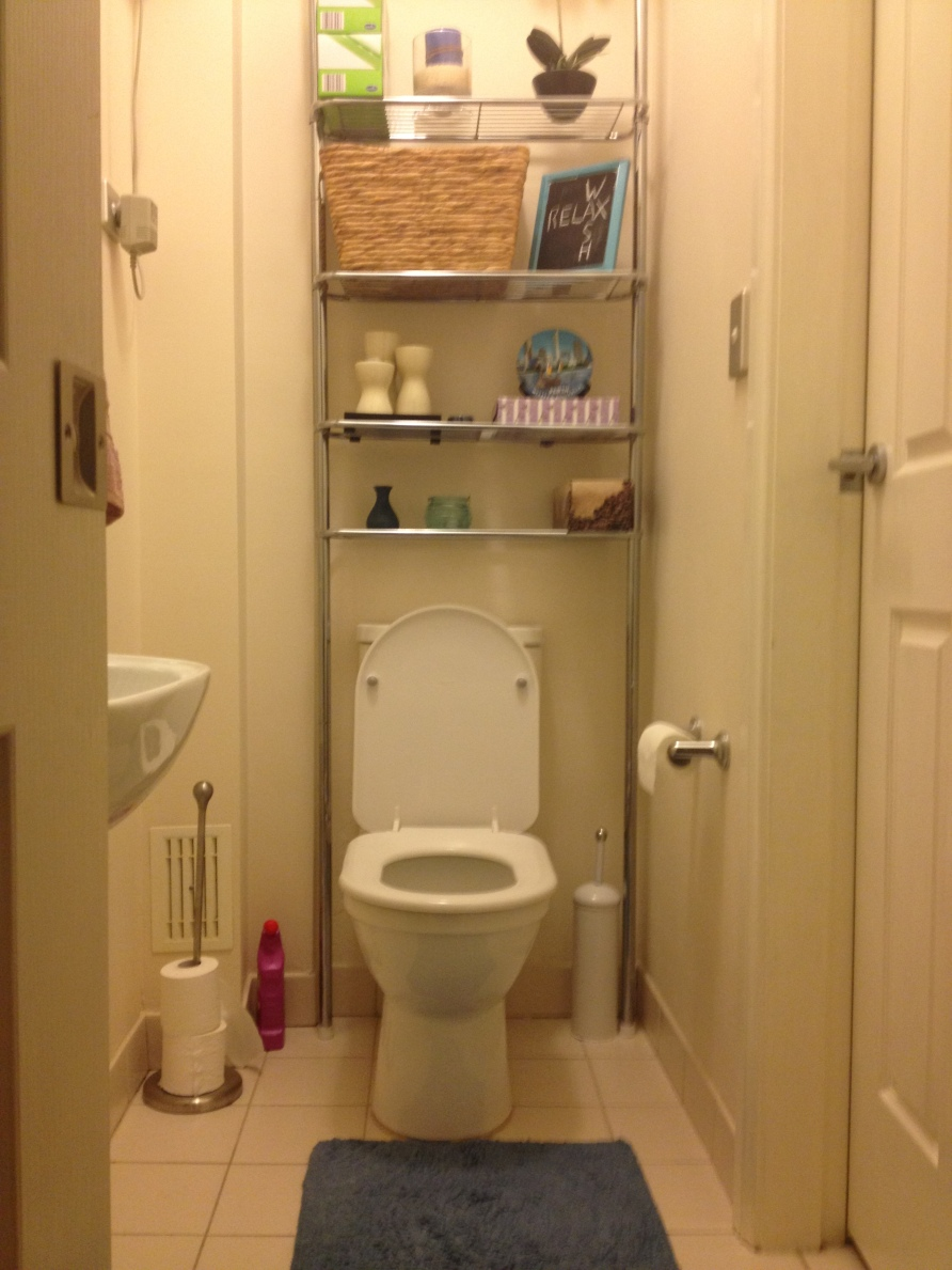 You can decorate and organize a small powder room | littleprince68